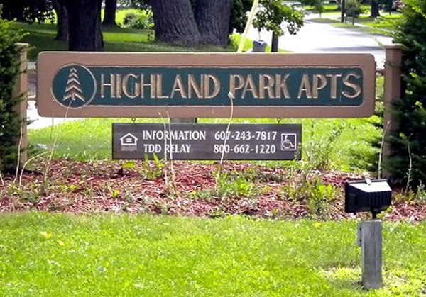 Button - Go to Highland Park Apartments page