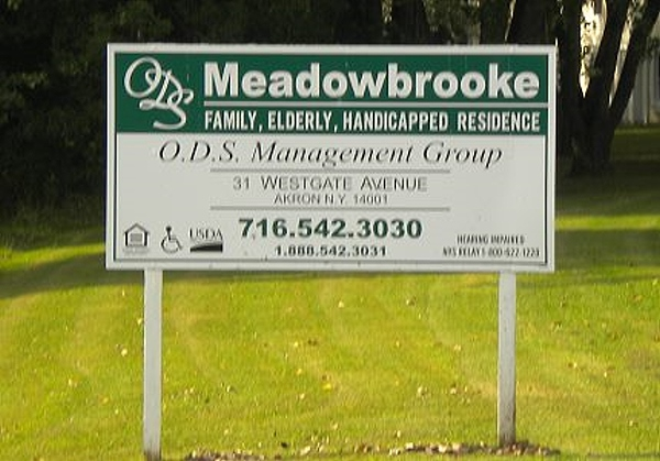 Meadowbrooke Apartment Sign